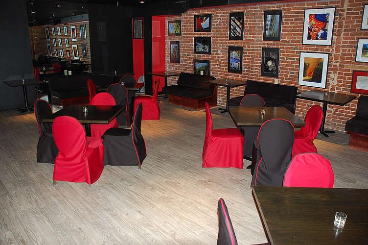 The Merk Restaurant San Diego - Light grey click floating floor