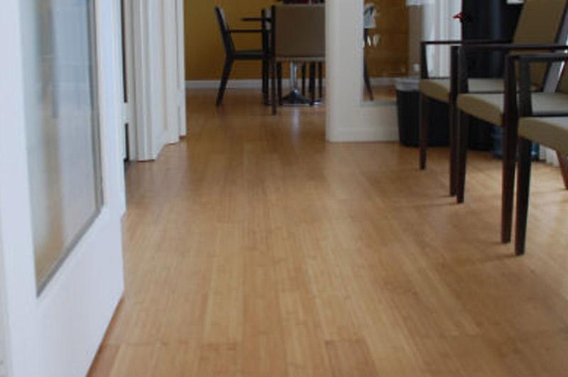 Los Vecinos - Bamboo flooring